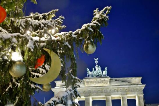 Brandenburger Tor mit Weihnachtsbaum
